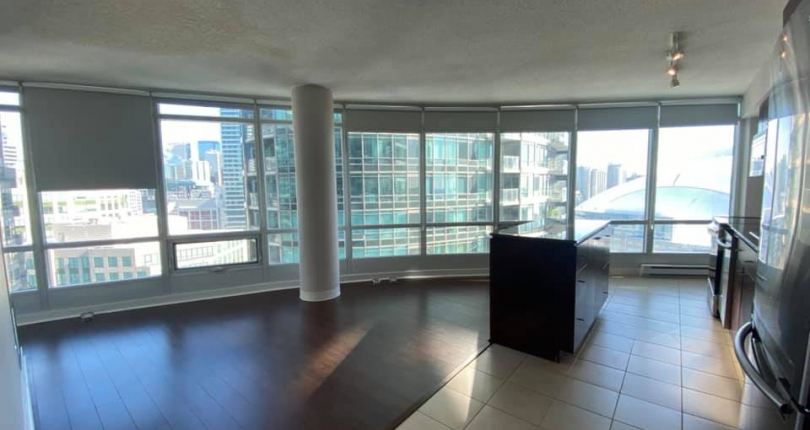 One bedroom condo 373 Front Street West in Toronto